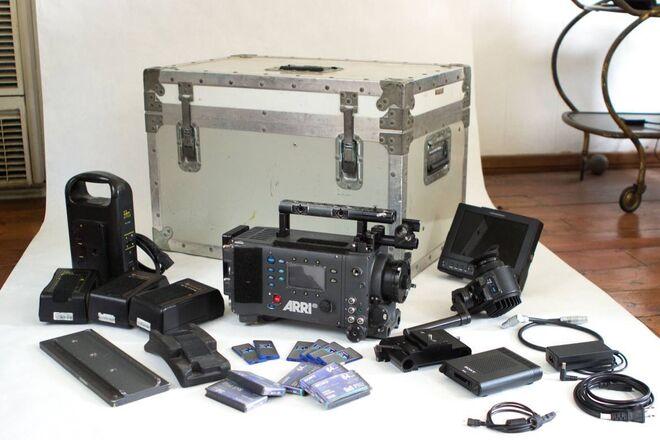ARRI Alexa EV Classic w/ Batteries, Cards
