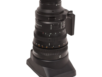 SONY G28-135mm Zoom Lens