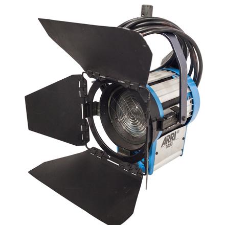 ARRI 1K Tungsten Fresnel Light w/ Stand