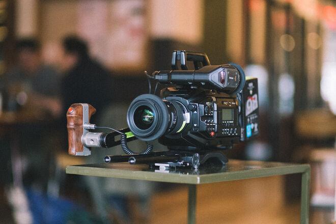 Blackmagic URSA Mini Pro EF/PL + Lenses