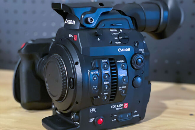 Canon EOS C300 Mark II + EXTRA Batteries, Rode Mic, & Media!