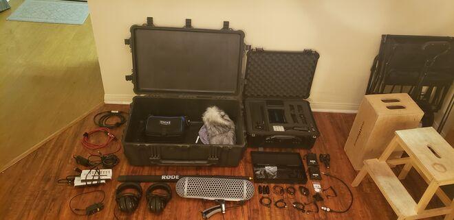 EASY Audio Kit Mixer, Shotgun, 4 Lavs, Windshield, Boom, ect