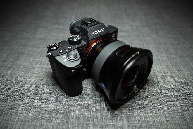 Sony a7 III + Zeiss Batis f/2.8 18mm