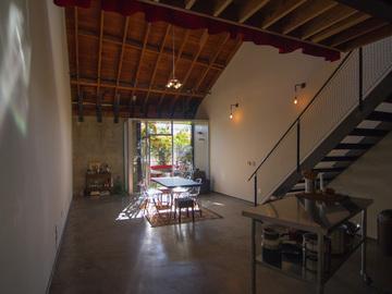 Rent: Film Location & Photography Studio in Bi-Level Loft