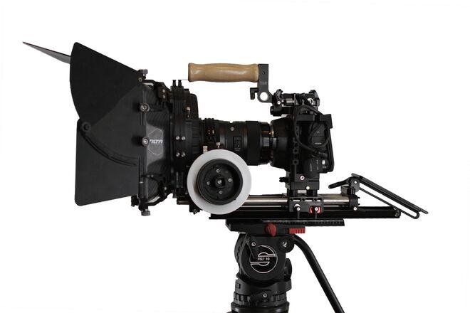 Blackmagic Pocket Cinema Camera 6K, Sigma 18-35, Gold Mount