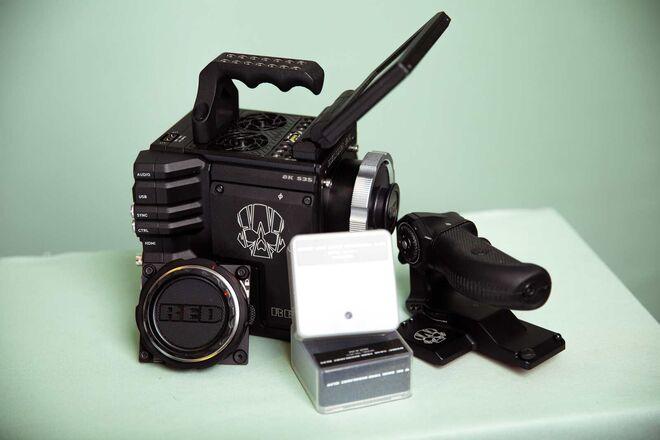RED DSMC2 (Epic-W) Helium 8K S35 Camera Kit