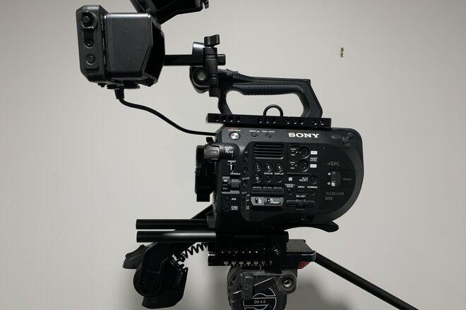 Sony PXW-FS7 m2 Super 35 4K FS7 Mark II Package