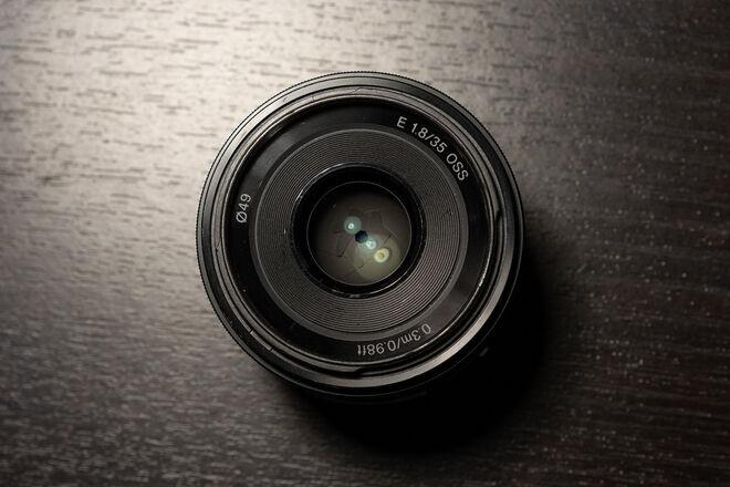 Sony E 35mm f/1.8 OSS + UV Filter