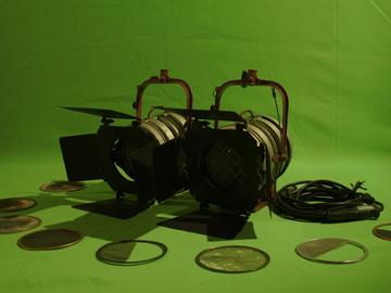 Rent: Mole Richardson 1K Fresnel Set