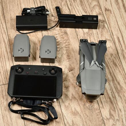 DJI Mavic 2 Pro Quadcopter + DJI Smart controller