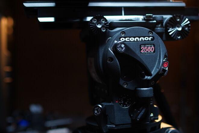 OConnor 2560 Fluid Head, Carbon Fiber Senior Sticks, Baby 350's
