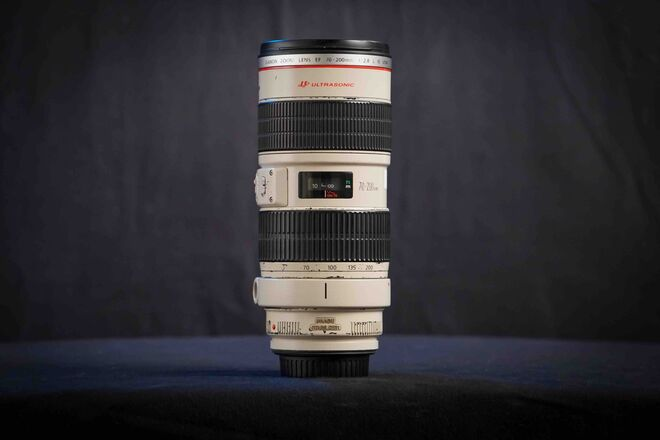 Canon EF 70-200mm f/2.8L IS Telephoto Zoom Lens w Focus Gear