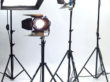 Rent: ARRI Tungsten 4 Light KIT: 1K Chimera/650Ws/300W