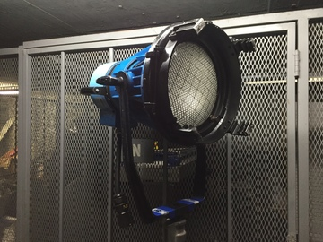 Rent: LTM 2.5K HMI Par w/ Electronic Ballast + Lenses