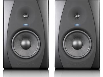 Rent: M-Audio CX8 Studio Monitors