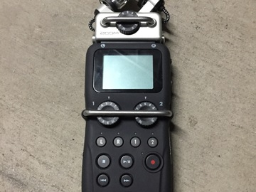 Rent: Zoom H5 Portable Recorder