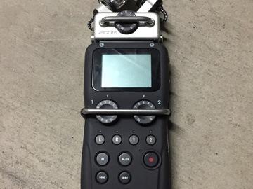 Rent: Zoom H5 Portable Recorder