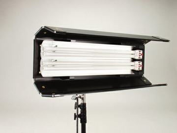 Rent: Kino Flo Diva-Lite 201 with Travel Case Kit