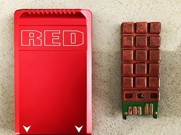 Rent: 1x Red mag 512 gb with card reader