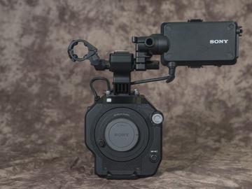 Rent: Sony FS7