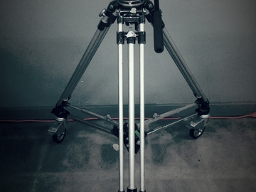 Rent: ITE 100mm Rolling Tripod with Tilt Head