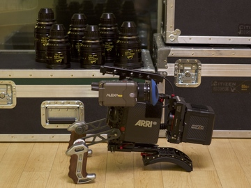 Rent: Arri Alexa Mini + Cooke Mini S4/i Full 6 Lens Set