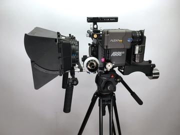 Rent: ARRI ALEXA Mini PL or EF plus Accessories/Tripod