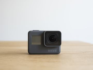 Rent: Gopro hero 5 black + Gimbal Stabilizer!