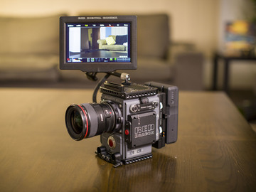 Rent: RED Scarlet-W Dragon 5K Package (EF)