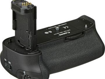 Rent: BG-E11 Battery  Grip for Canon 5D mark III