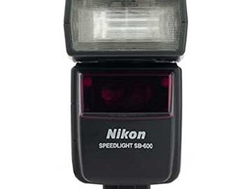 Rent: Nikon SB600 Speedlight Flash