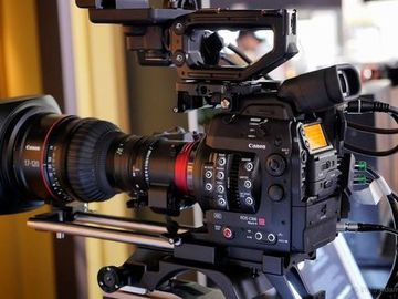 Rent: Canon C300 Mark II base/cine kit