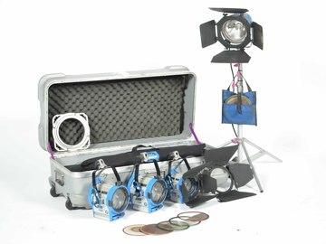 Rent: Arri 4 Lamp Kit: 1k open / 2x 650 / 300 / Chimera Softbox
