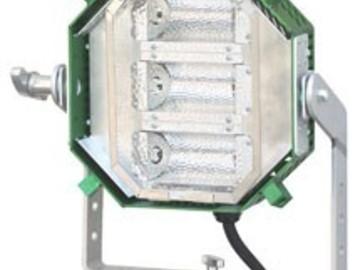 Rent: BARGER 3-Lite V 2.0 with Chimera Quartz Medium Softbox