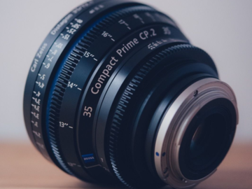 Rent: ZEISS Compact Prime 35mm CP2 T2.1 EF Mount