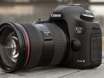 Canon 5D mk3 w/lens