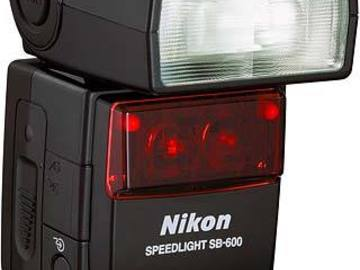 Rent: Nikon SB-600 Speedlight Flash for Nikon Digital SLR Cameras