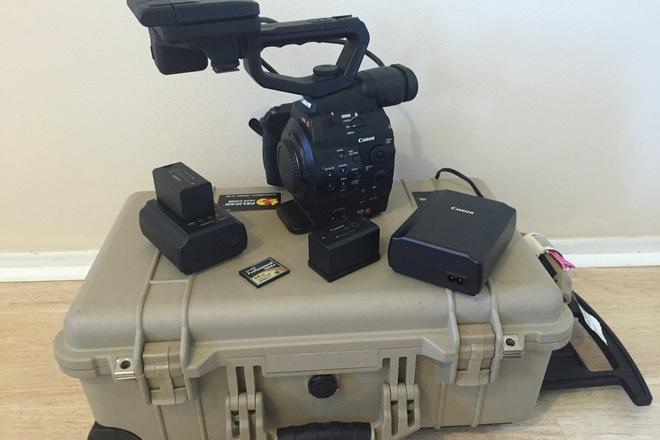 Canon C300 mk1 EF mount (+NTG-2 mic & 24-70mm lens)