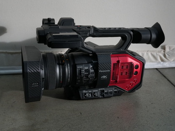 Rent: Panasonic AG-DVX200 4K Handheld Camcorder Kit