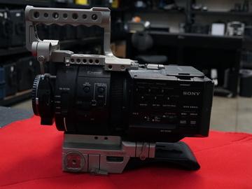 Rent: Sony NEX-FS700R Super 35 Camcorder Kit