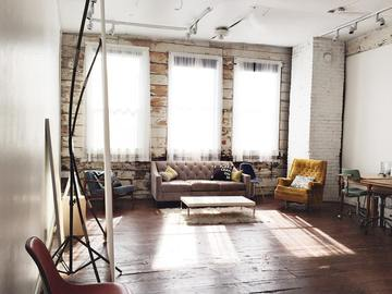 Rent: Rustic Artist/Gallery Space