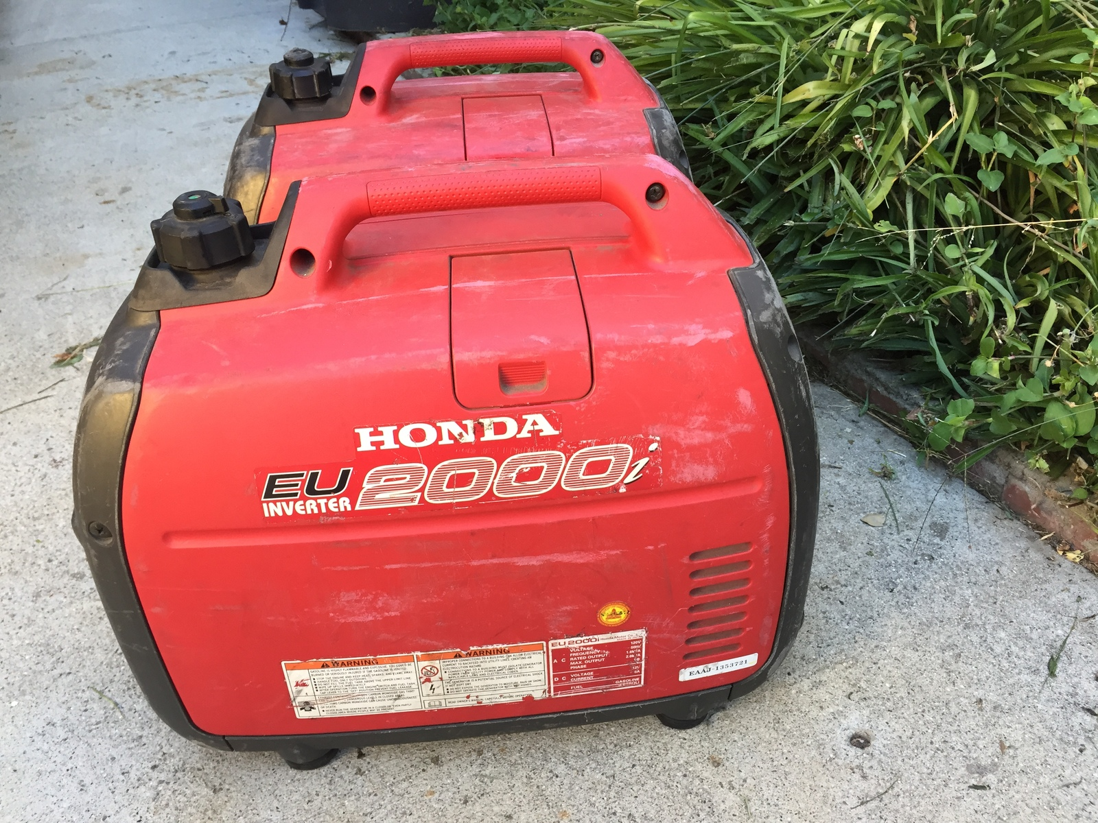 Rent a 2 Honda EU2000i Generators | ShareGrid Los Angeles