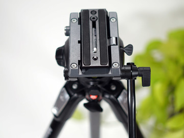 Rent: Manfrotto MVH500AH Flat Base Pro Fluid Head
