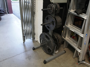 Rent: Weight Plate Tree w/ weight sets