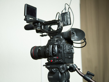 Rent: C300 Mark II (MKII) 4k - Light Package