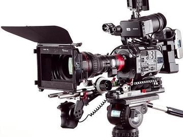Sony PXW-FS7 4K Camera and Canon Cine Lens Package
