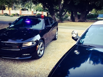 Rent: Dodge Charger Hemi V8 Detective/Undercover Cop Car