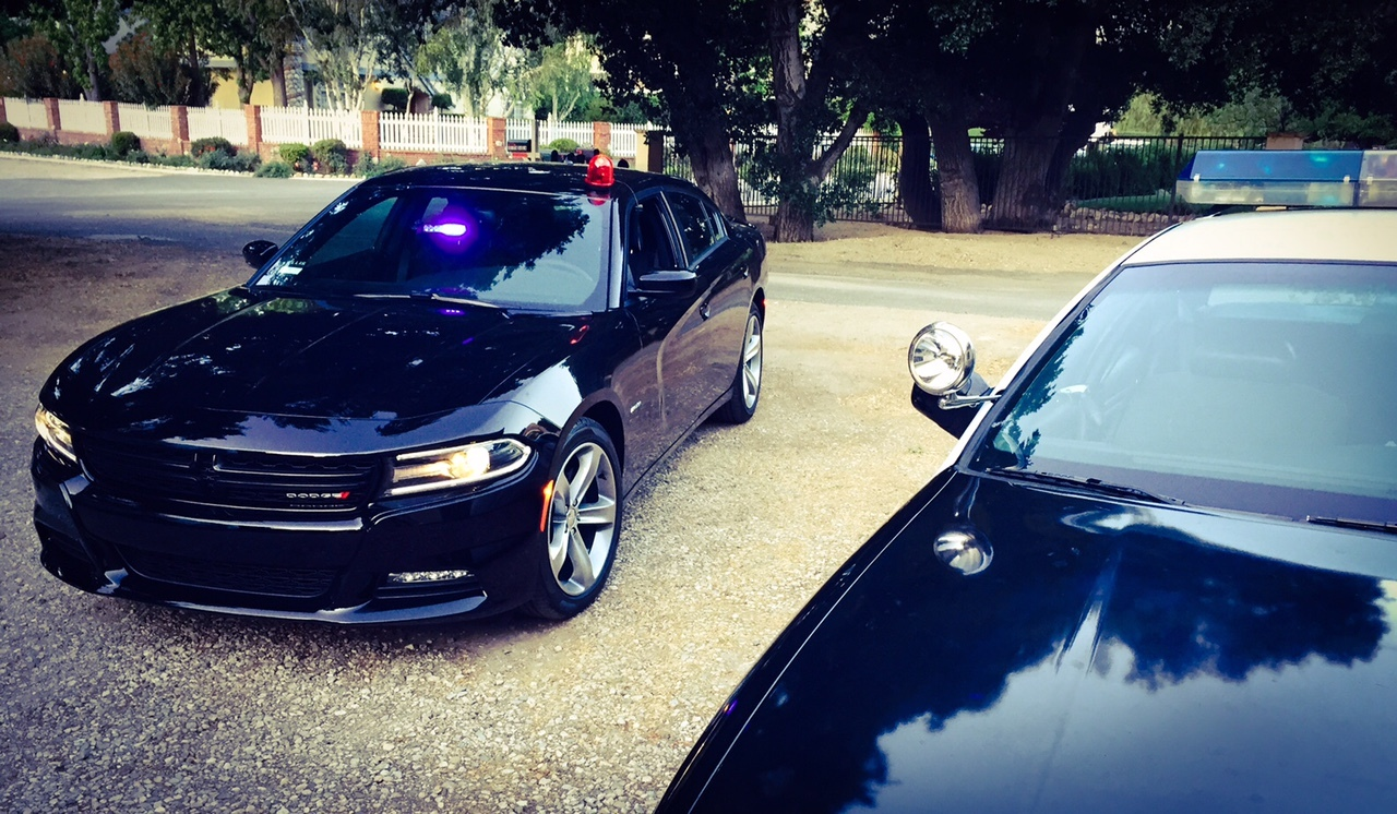 Rent A Dodge Charger Hemi V8 Detective Undercover Cop Car