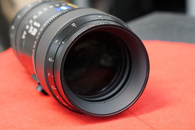 Zeiss 70-200mm T2.9 Compact Zoom CZ.2 Lens (PL or Ef Mount)
