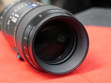Rent: Zeiss 70-200mm T2.9 Compact Zoom CZ.2 Lens (PL or Ef Mount)